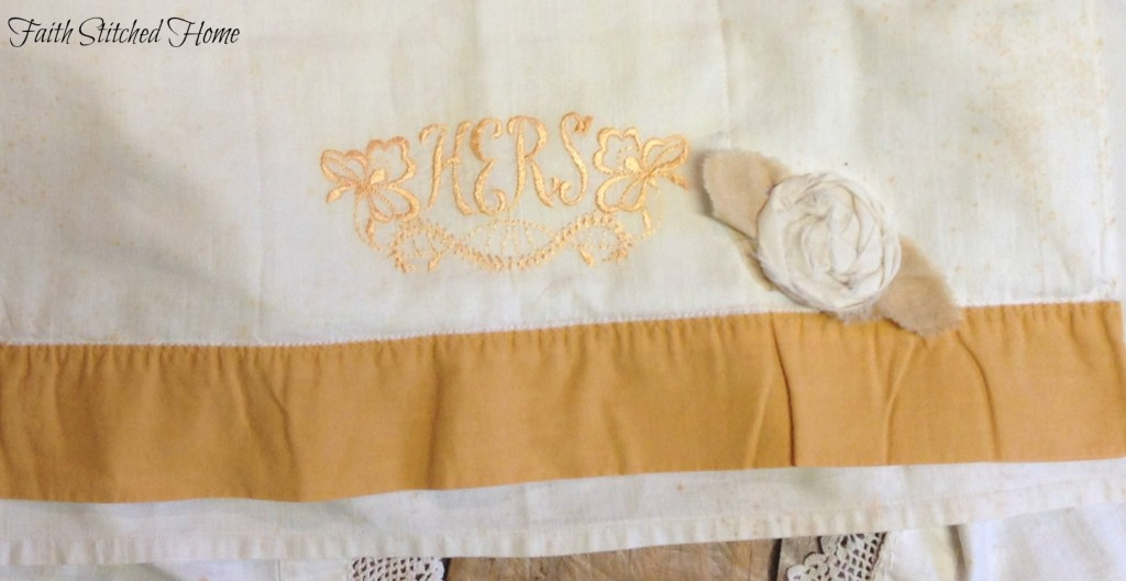 Apron - table runner close up