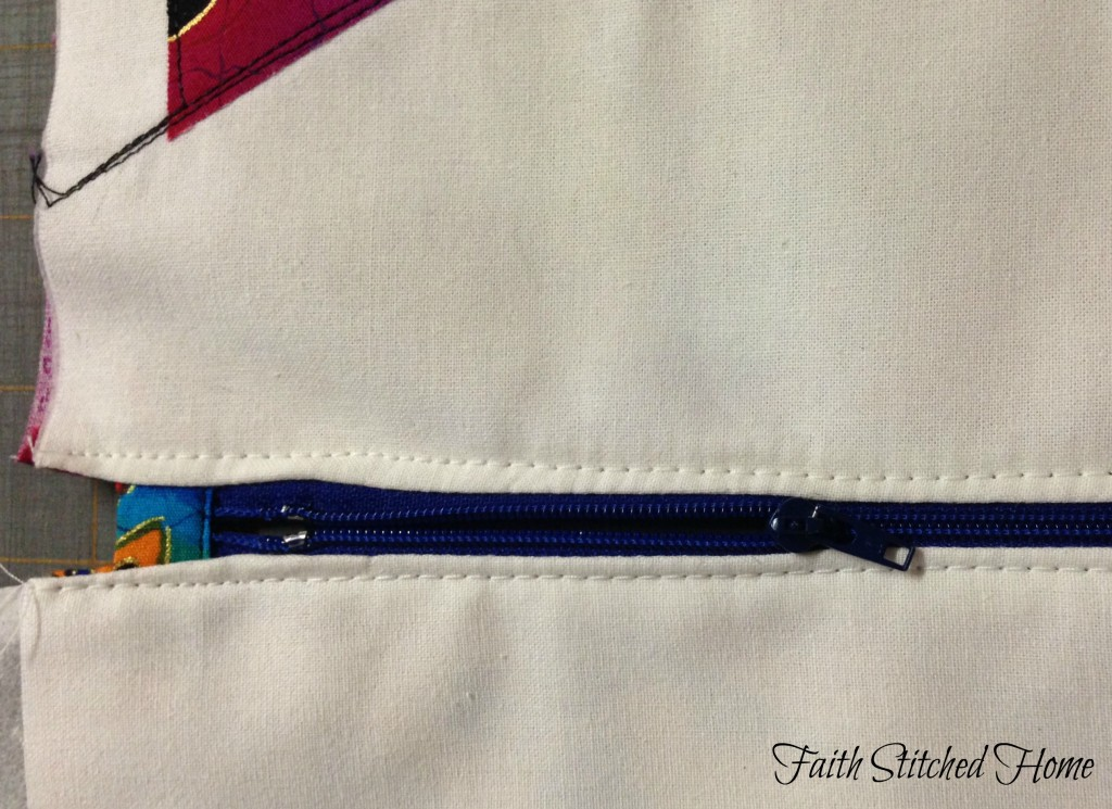 Zipper bag - zipper topstitch